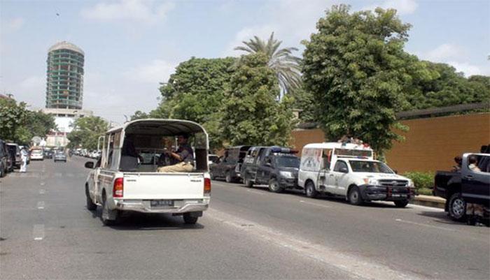 کراچی: پی ٹی آئی کےناراض کارکنوں کا گورنرہاؤس کےباہرمظاہرہ