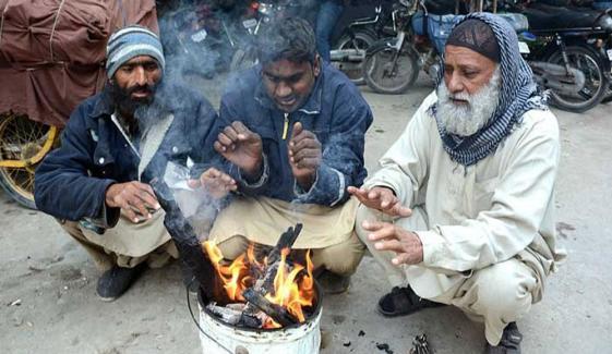 کراچی میں پیر سے کڑاکے کی سردی کا امکان