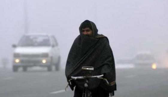 ملک کے مختلف علاقوں میں سرد موسم کا راج