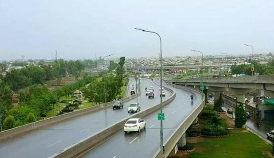 پشاور، بارش کے سبب سردی کی شدت میں اضافہ
