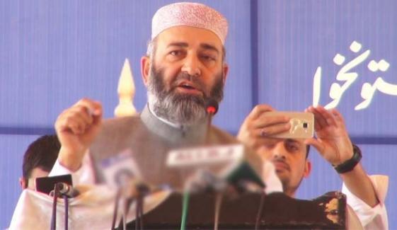 کابینہ میں سارے چور ڈاکو اکٹھے بیٹھے ہیں: مشتاق احمد خان