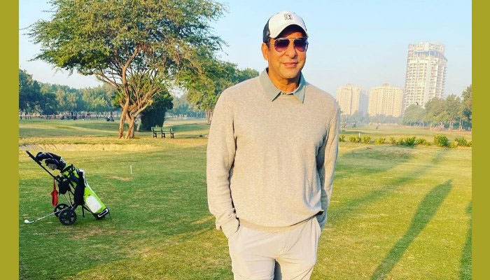 وسیم اکرم بھی کراچی کی سردی سے پریشان