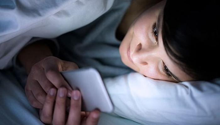 اسمارٹ فون کا استعمال صحت کو کیسے خراب کررہا ہے؟