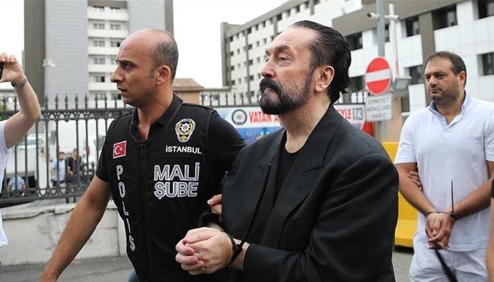 ترک عدالت نے متنازع مبلغ عدنان اوقتار کو 1075 برس قید کی سزا