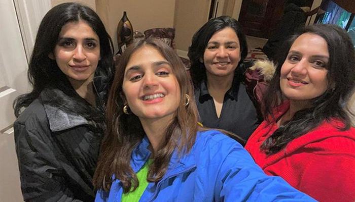 حرا مانی نے اپنے جگری دوستوں کی تصویر شیئر کردی