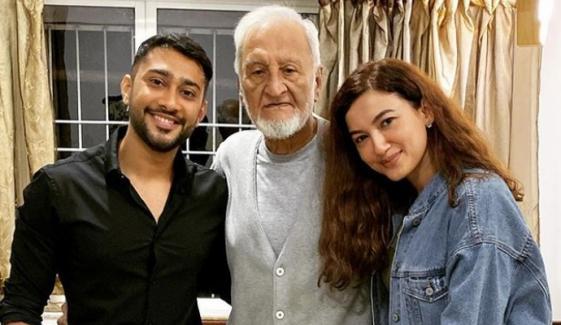 گوہر خان کا والد کی سالگرہ پر جذباتی پیغام