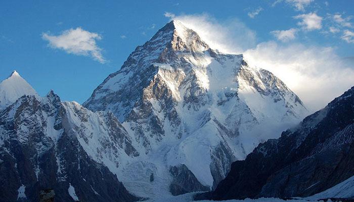 نیپالی کوہ پیماؤں نے موسمِ سرما میں K2 سَر کرکے تاریخ رقم کردی