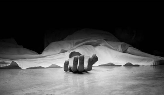 کراچی : کلفٹن کے قریب گھر سے خواجہ سرا کی تشدد زدہ لاش برآمد