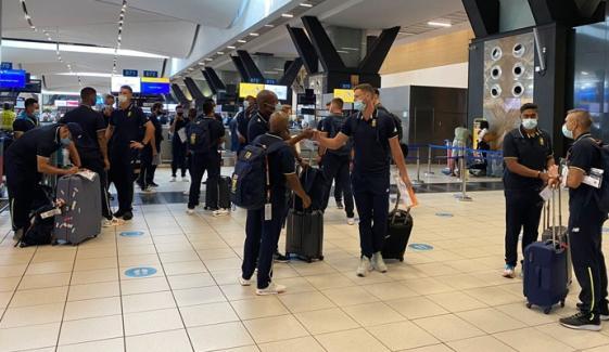 جنوبی افریقا کی ٹیم سیریز کھیلنے کراچی پہنچ گئی