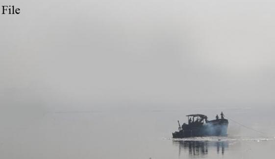 پنجاب: دریائے چناب میں 2 کشتیاں پھنس گئیں
