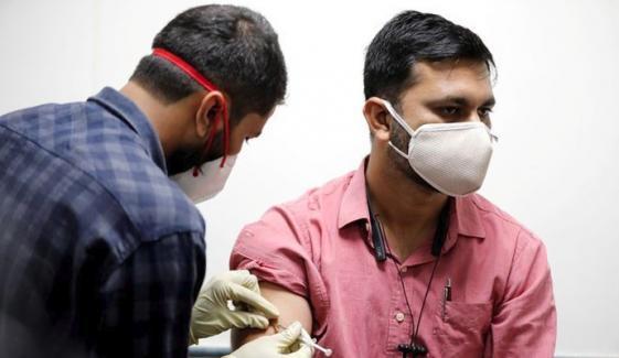 بھارت: تحفظات کے باوجود مقامی کورونا ویکسن لگانے کا عمل شروع
