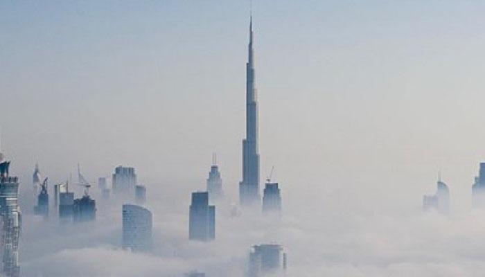بادلوں کے اوپر سے دبئی کا نظارہ