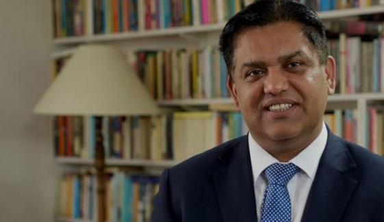 برطانیہ میں بےگھر افراد کو کورونا ویکسین فراہم کرنے والے پاکستانی ڈاکٹر کے چرچے