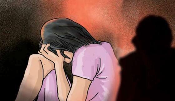 بھارت: پائلٹ نے شادی کا جھانسا دے کر اداکارہ کو ریپ کا نشانہ بناڈالا