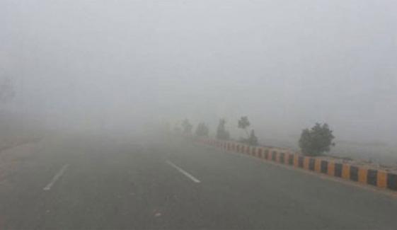 سندھ اور پنجاب میں دھند کے ڈیرے، حدِ نگاہ صفر