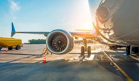 وفاقی حکومت کی طیاروں کے فیول کی تھرڈ پارٹی کے ذریعے درآمد کی مشروط اجازت
