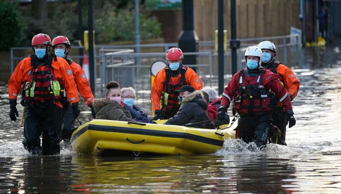 انگلینڈ اور ویلز کے کئی علاقوں کو طوفان 'کرسٹوف 'کا سامنا