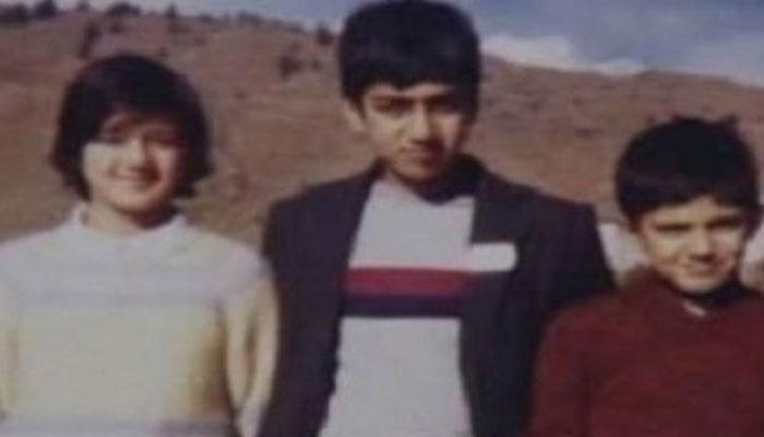 اداکارہ پریتی زینٹا کی بچپن کی بھائیوں کے ساتھ پرانی تصویر