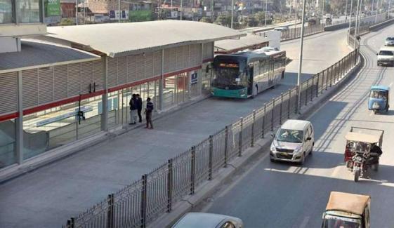 BRT روٹ پر رکشوں پر پاپندی، سیکریٹری ٹرانسپورٹ پیش