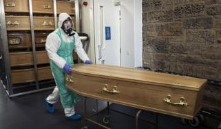برطانیہ میں کورونا سے مزید 1290 افراد ہلاک