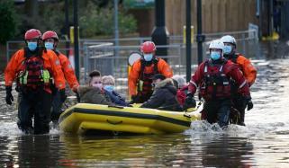 انگلینڈ اور ویلز کے کئی علاقوں کو طوفان 'کرسٹوف' کا سامنا