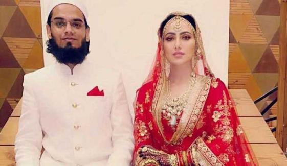 ثناء خان مفتی انس جیسا شوہر پاکر اللّٰہ کی متشکر