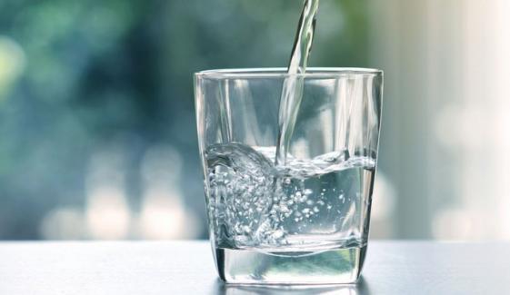 سردیوں میں پانی کم پینے کے نقصانات