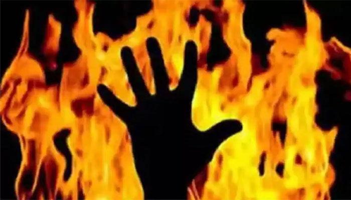 فیصل آباد: می کے سے رقم نہ لانے پر سرالیوں نے بہو کو جلا دیا