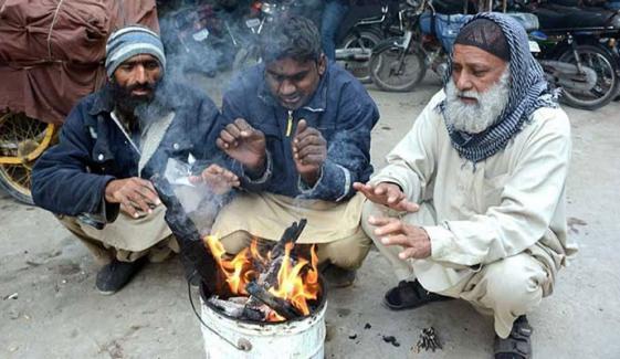 کل کی نسبت آج کراچی کا موسم زیادہ سرد