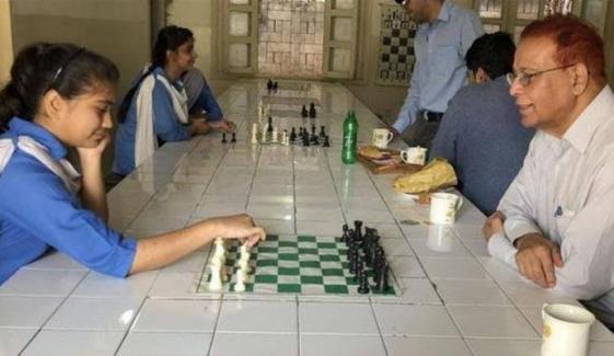 پاکستان کے سابق شطرنج پلیئر شہزاد مرزا انتقال کرگئے