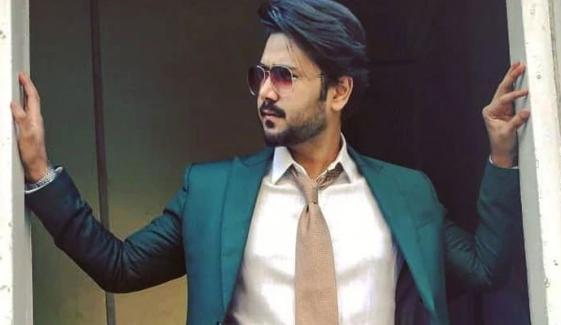 اداکار علی عباس کورونا وائرس کا شکار