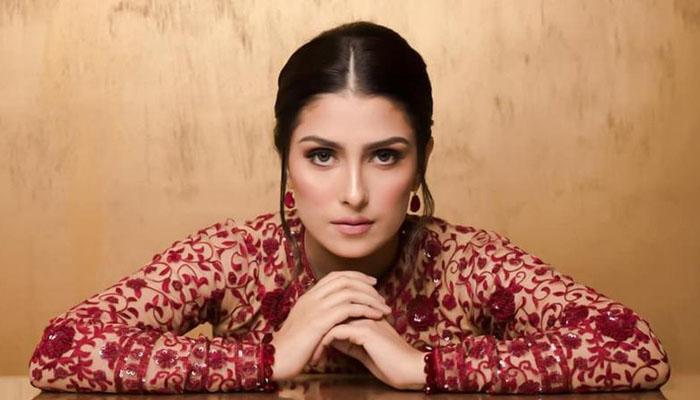 عائزہ خان تُرکی کیساتھ کوئی پراجیکٹ کرنے والی ہیں؟