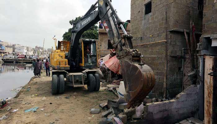 کراچی: گجر نالے پر تجاوزات کیخلاف آپریشن کا دوسرا روز