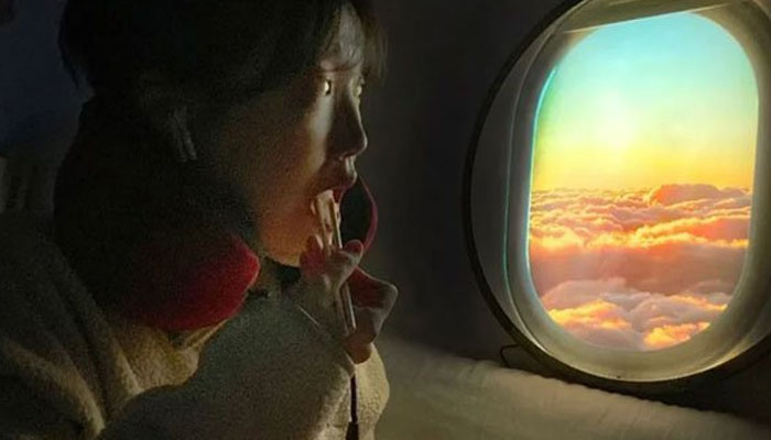 ہوائی جہاز کی کھڑکی سے کھینچی گئی حقیقی تصویریں