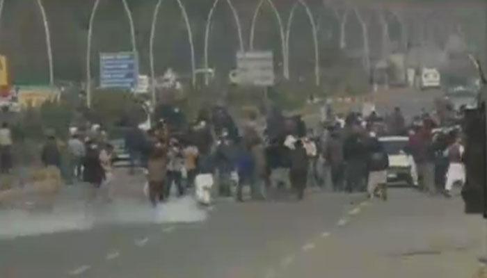 اسلام آباد: سرکاری ملازمین کا دھرنا، متعدد زیرِ حراست