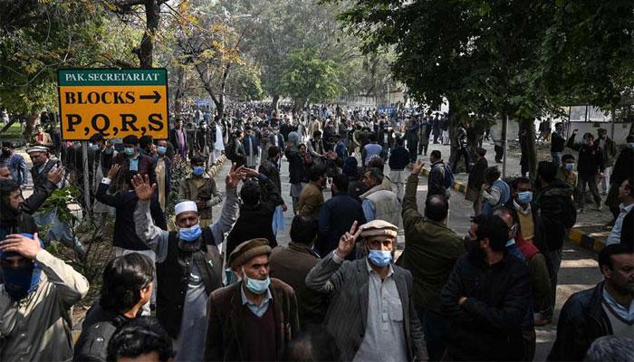 اسلام آباد: مذاکرات کامیاب مگر دھرنا جاری