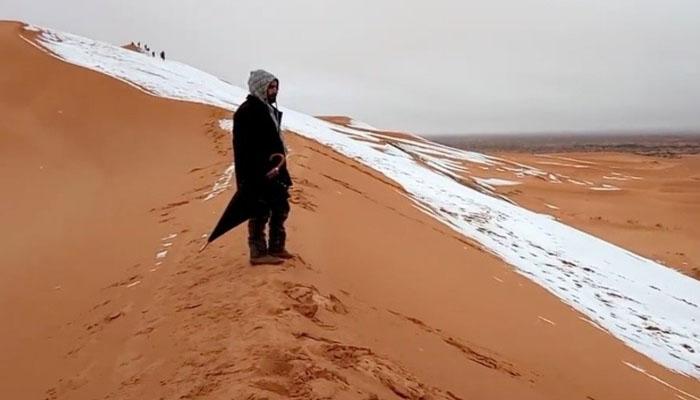 اٹلی :برف کا رنگ سرخ ہوگیا