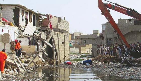 کراچی: گجر نالے پر تجاوزات کے خلاف آپریشن جاری