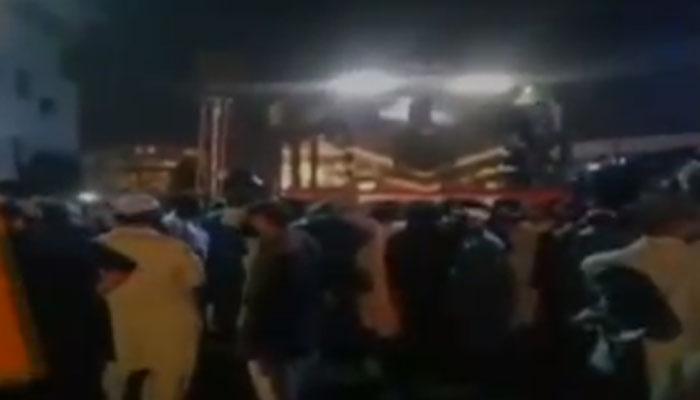 کراچی کینٹ اسٹیشن پر ڈبل بکنگ کے خلاف احتجاج