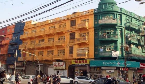 برنس روڈ پر رنگی گئی قدیم عمارتوں کو اصل حالت میں بحال کرنے کا حکم