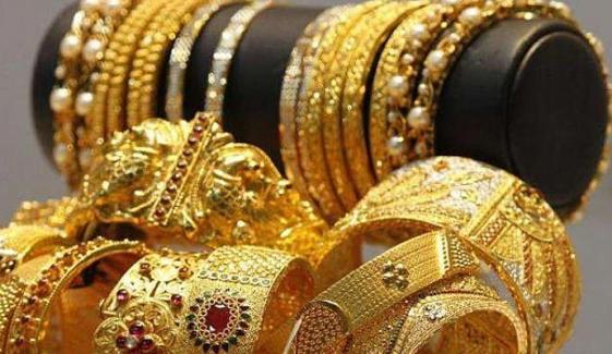 ایک تولہ سونے کی قیمت میں 400 روپے اضافہ