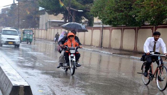 کوئٹہ : موسم بہار کی پہلی بارش سے موسم خوشگوار