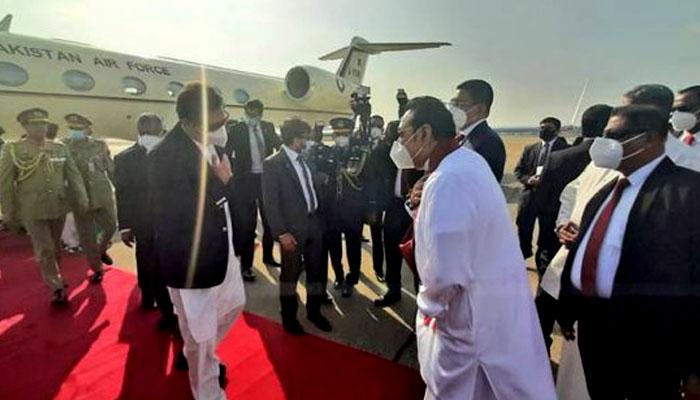 وزیراعظم عمران خان سری لنکا کے دورے پر کولمبو پہنچ گئے