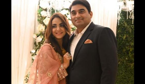 نادیہ خان نے شوہر کی سالگرہ پر کیک کی جگہ کیا دیا؟
