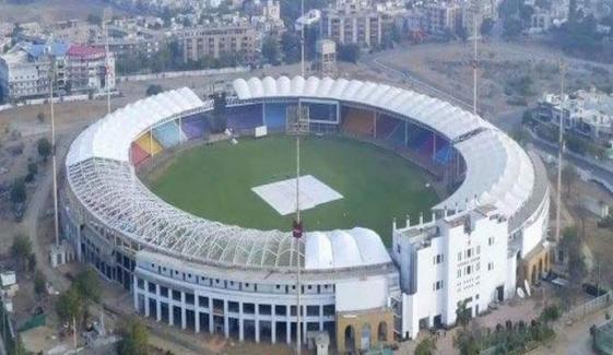 پی ایس ایل 6:  کراچی کے میچز میں 50 فیصد تماشائیوں کو اسٹیڈیم میں داخلے کی دعوت
