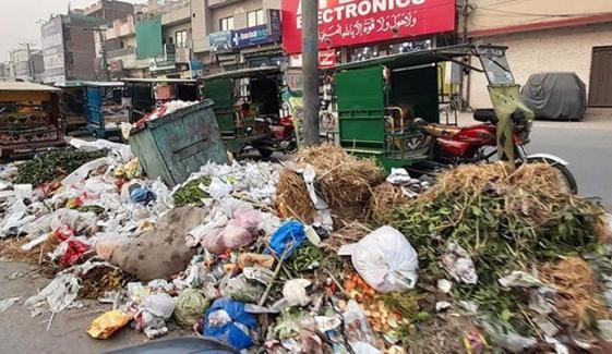 لاہور ایک بار پھر کچرے کا ڈھیر بن گیا