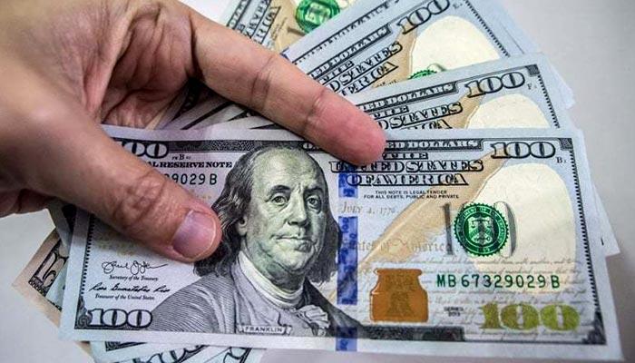 ڈالر کی قدر ایک سال کی کم ترین سطح پر