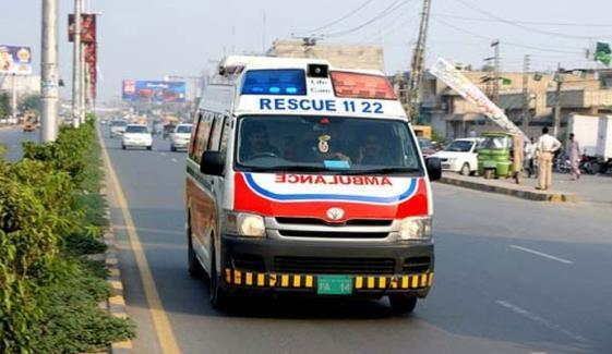ملتان میں بس الٹ گئی، 14 مسافر زخمی