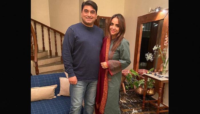 نادیہ خان کی شوہر کیساتھ چنگچی رکشہ میں تصویر وائرل
