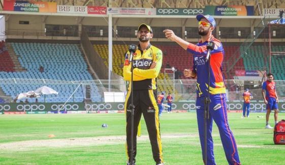 کراچی کنگز کا پشاور زلمی کیخلاف ٹاس جیت کر فیلڈنگ کا فیصلہ